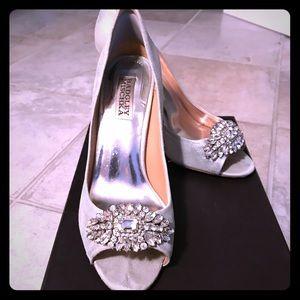 Badgley Mischka Crystal Dress Pump - Silver